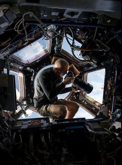 gravity-nasa-felicita-a-gravity-publicando-imagenes-reales-del-espacio-galeria-3