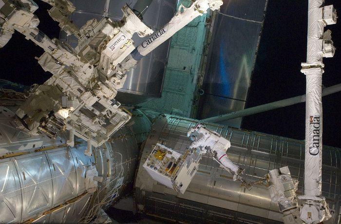gravity-nasa-felicita-a-gravity-publicando-imagenes-reales-del-espacio-galeria-5