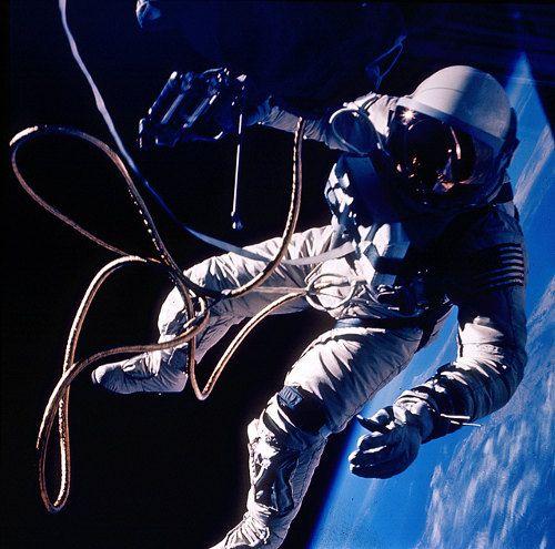 gravity-nasa-felicita-a-gravity-publicando-imagenes-reales-del-espacio-galeria-6