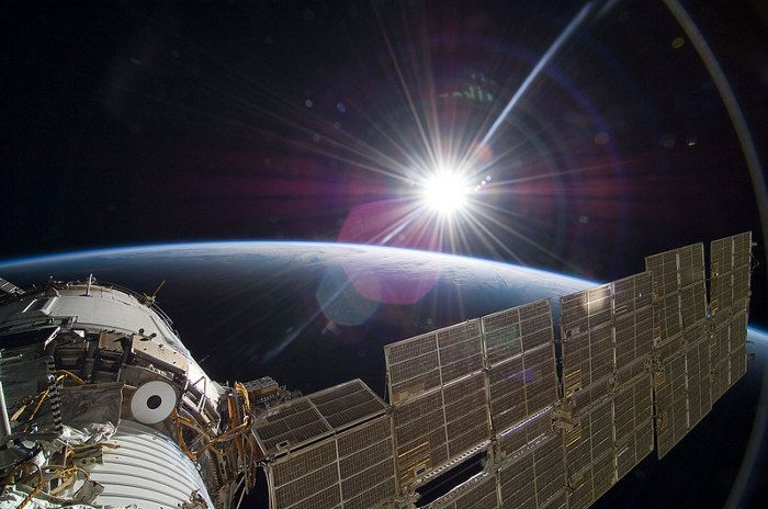 gravity-nasa-felicita-a-gravity-publicando-imagenes-reales-del-espacio-galeria-9