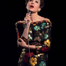 Renée Zellweger sorprende con su transformación de Judy Garland para el biopic sobre la atormentada artista del Mago de Oz