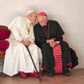 Anthony Hopkins y Jonathan Pryce en Los dos papas, próximo estreno de Netflix